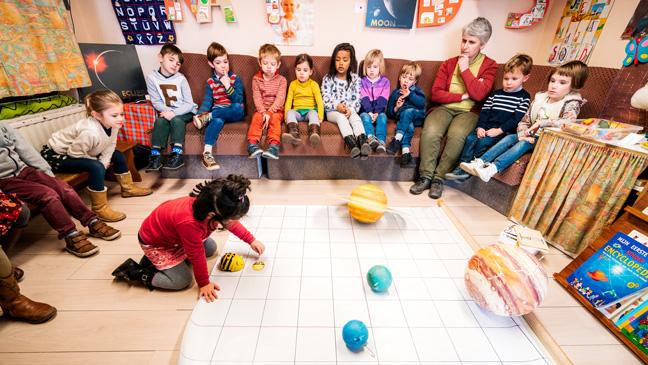 Juf Mieke met haar klas