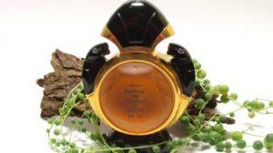 parfumflesje versierd met panters